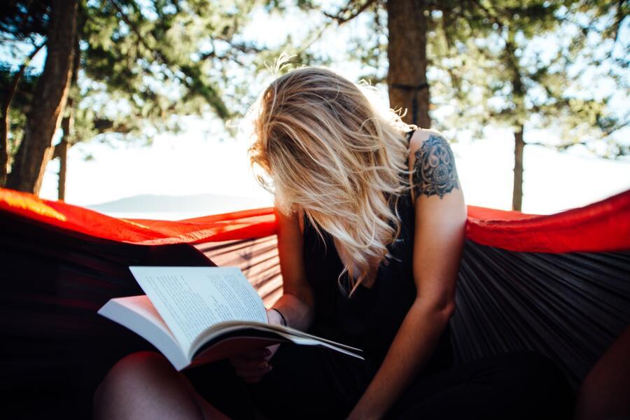 В чем вред книг и чтения?