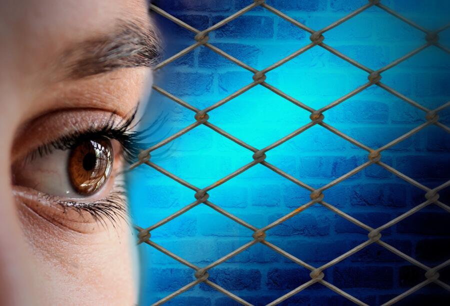 Порой психологические преграды ограничивают свободу хуже чем настоящая тюрьма