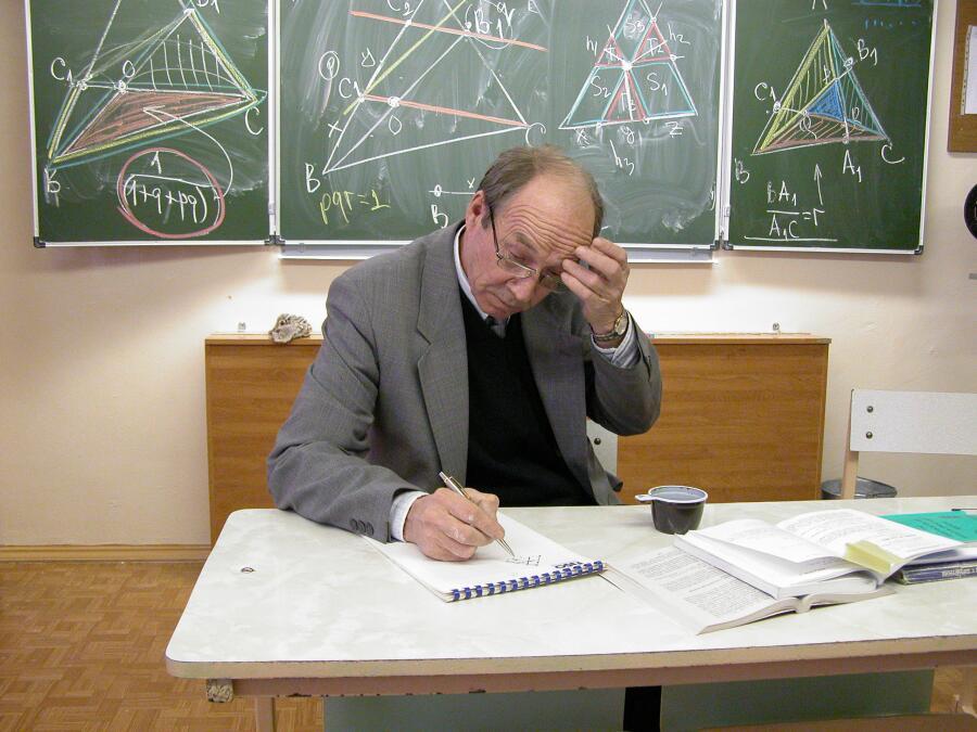 В.В.Вавилов во время проведения научной конференции школьников в Сарове, 2004 год