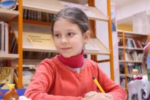 Детдомовец в обычной школе: милосердие или издевательство?
