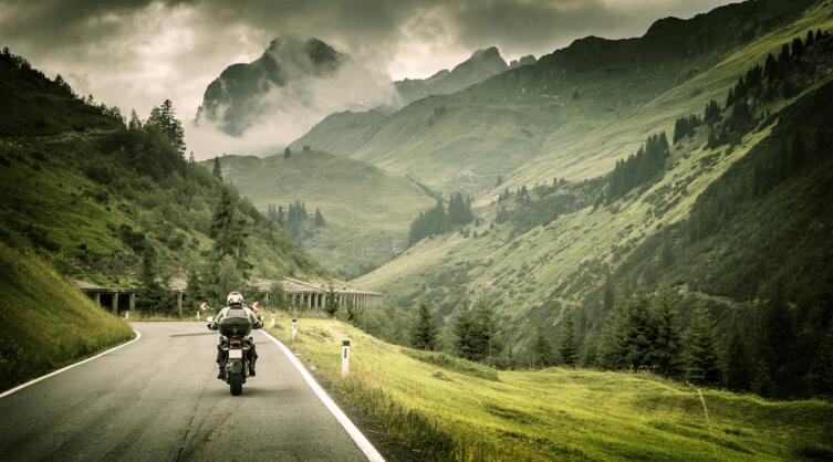 Чтобы найти ответы на свои вопросы, полезно отправиться жить в горы