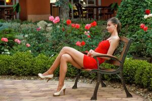 Какой вид эпиляции выбирают женщины, а какой - косметологи?
