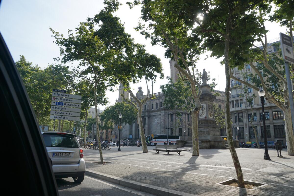 Виа Лаэтана — один из главных туристических маршрутов города