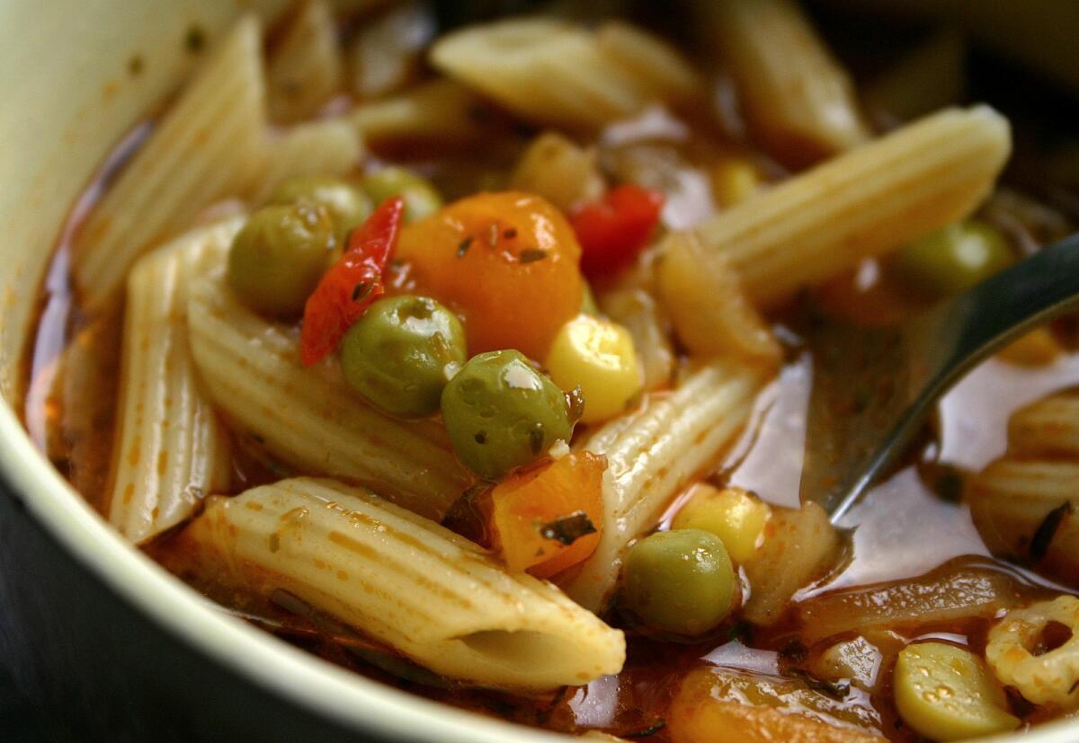 Горошек прекрасно сочетается со всеми продуктами, в том числе и с макаронами