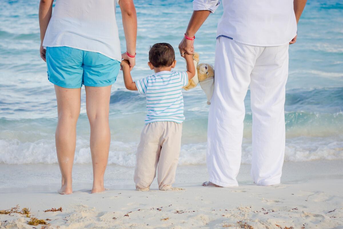 Маленькие дети стремятся к физическому контакту