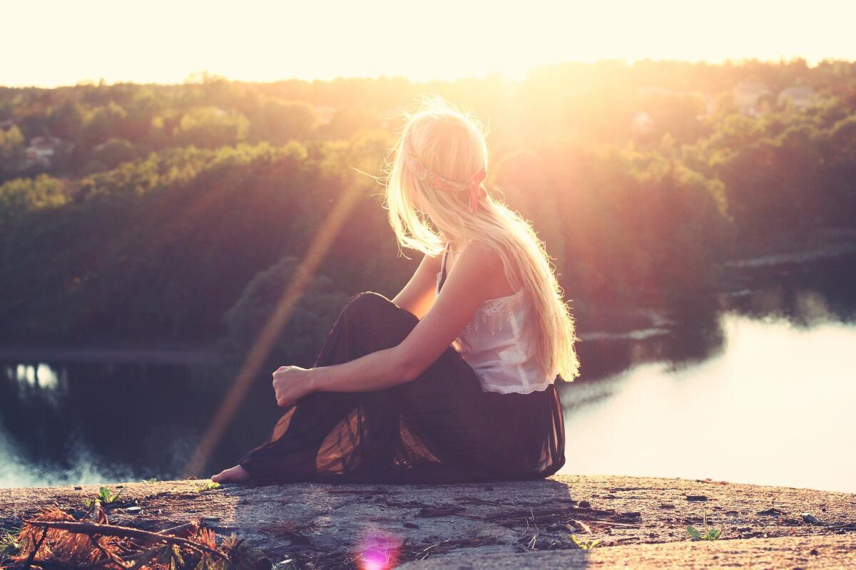 Недолюбленные дети не получают в награду любовь и несут тяжкий груз недолюбленности всю жизнь