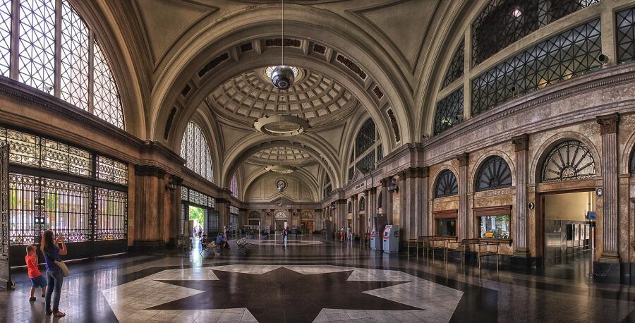 Барселона, Железнодорожный вокзал