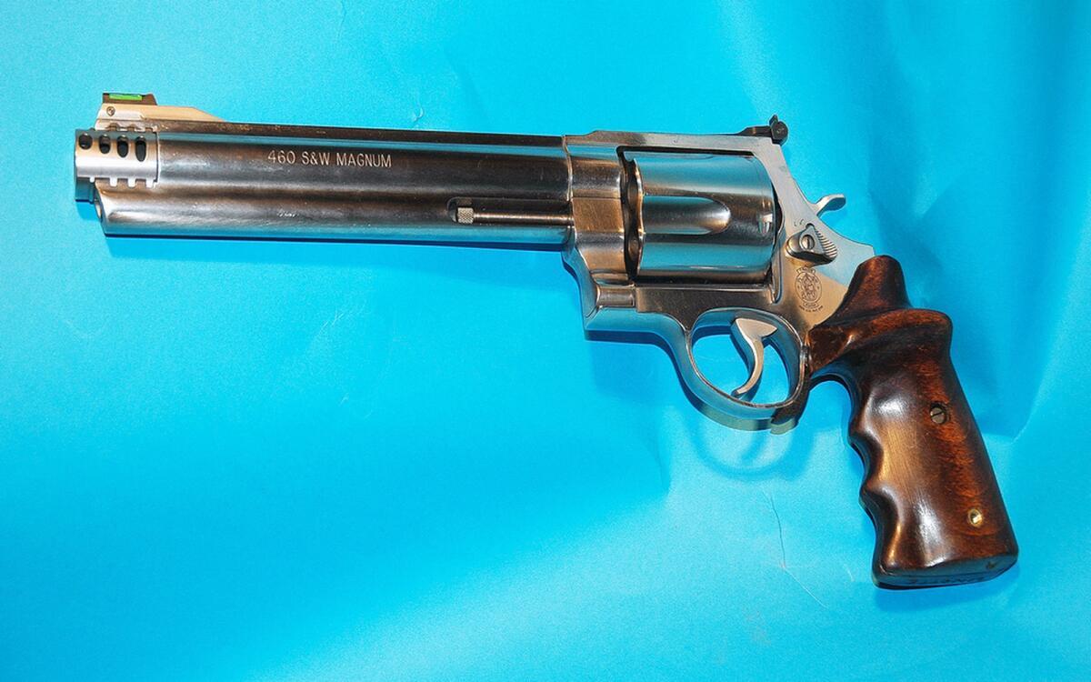 Револьвер Smith & Wesson калибра .460 S&W