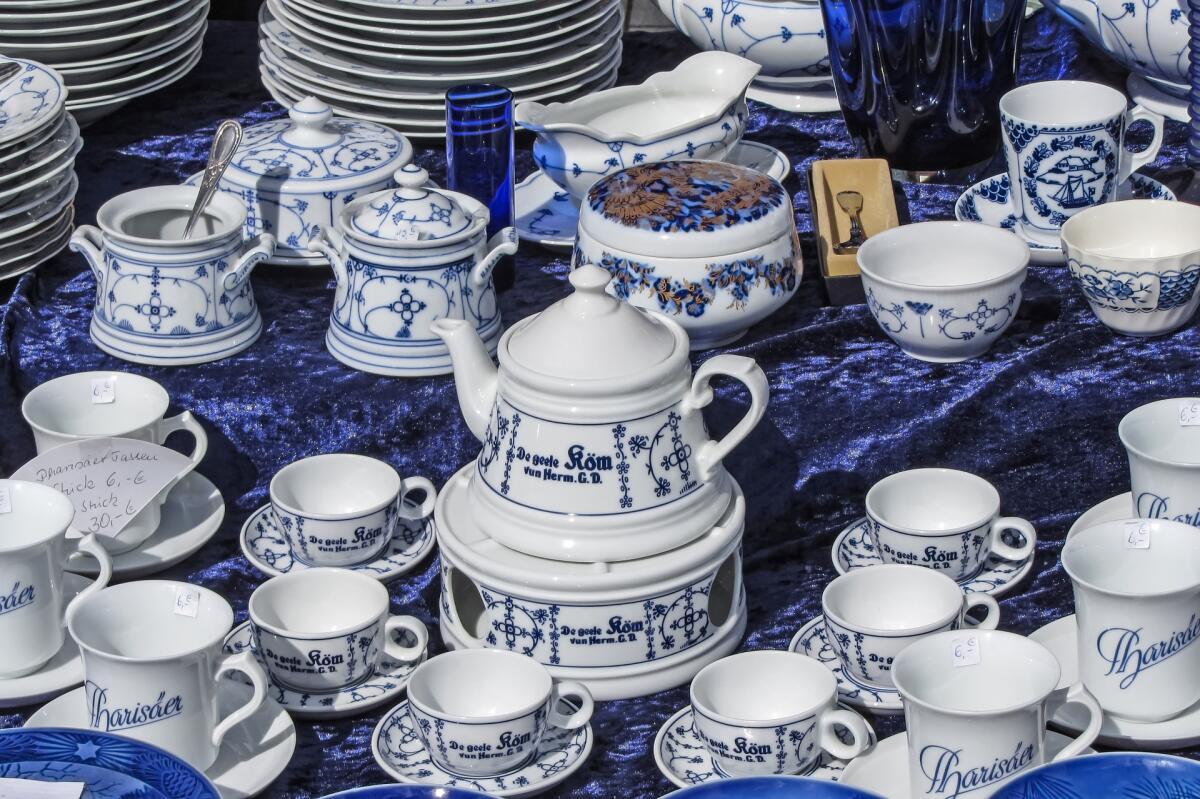 Синяя и голубая посуда помогает похудеть