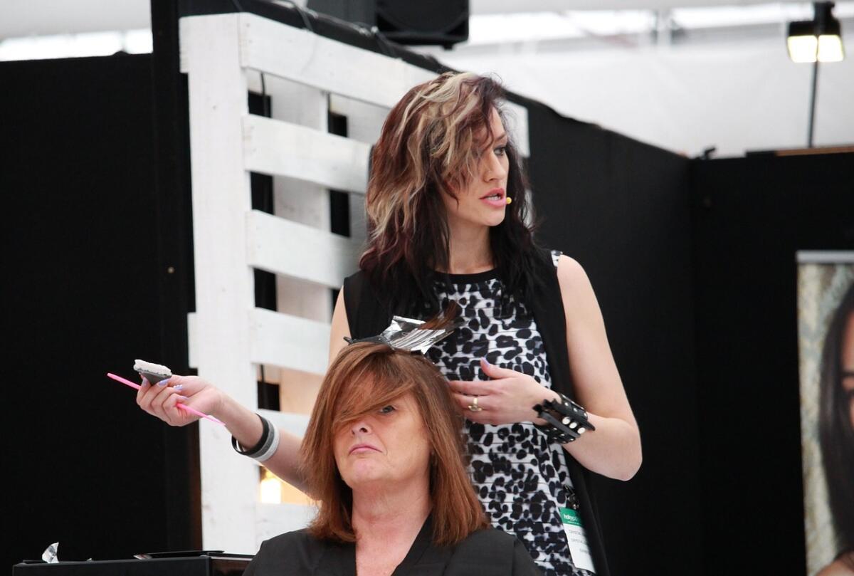 Сходите к парикмахеру