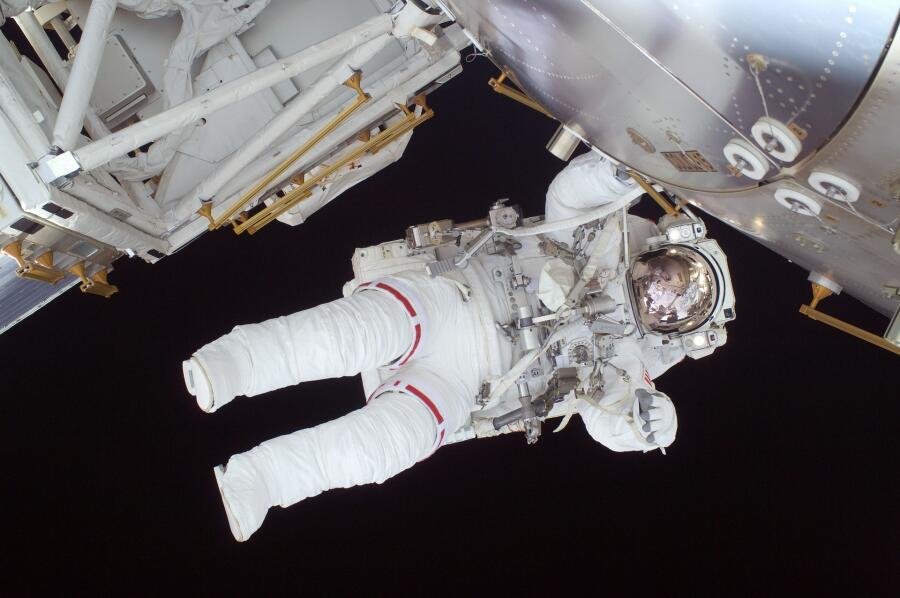 В XX веке человек слетал в космос, а что же было до этого?