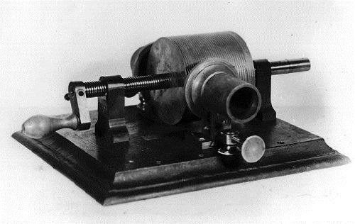 Одна из первых конструкций фонографа