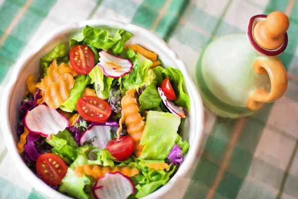 Что «все знают» о правильном питании? Экскурс в народную диетологию:  «Не ешь после 6-ти!»