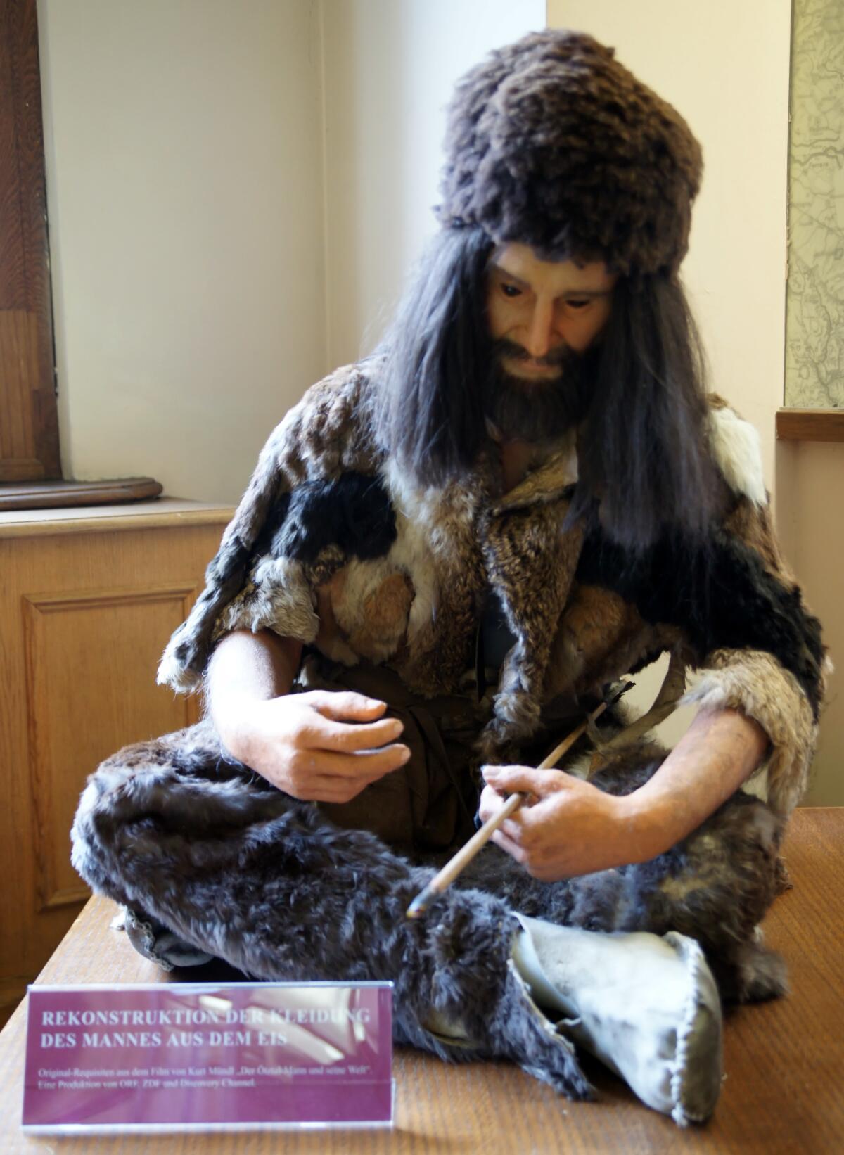 Реконструкция одежды Эци. Музей естественной истории в Вене
