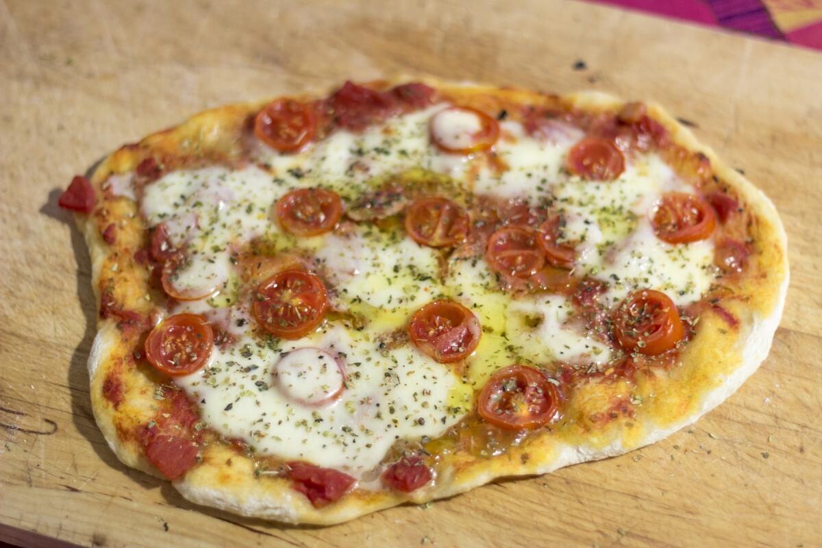 Пицца на кефире весьма вкусная