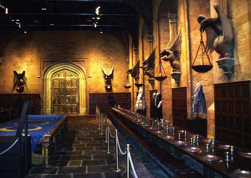«Гарри Поттер и проклятое дитя». Чего нам ждать от новой книги Джоан Роулинг?