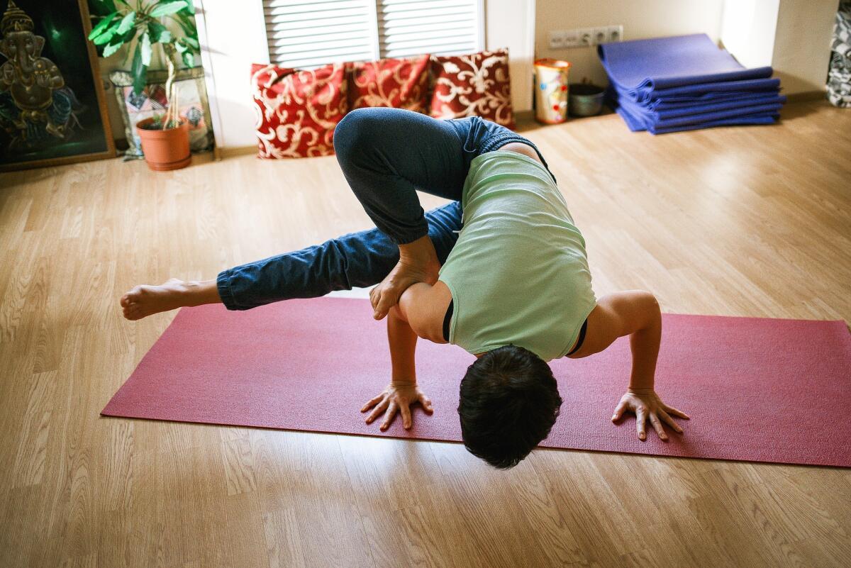 Курс хатха-йоги включает в себя 32 недели