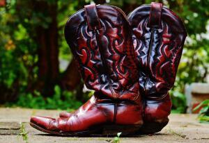 Эволюция обуви - 8. Как сапоги воинов стали женским фетишем?