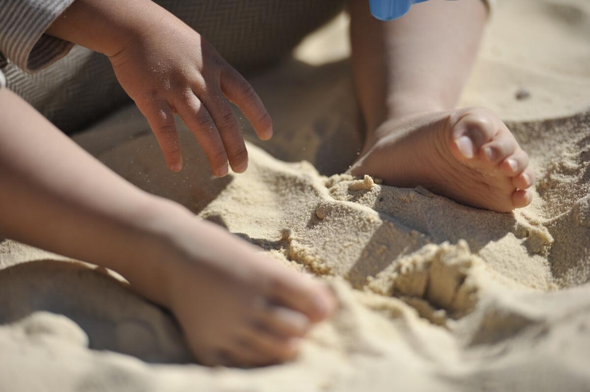 Игры с песком развивают мелкую моторику