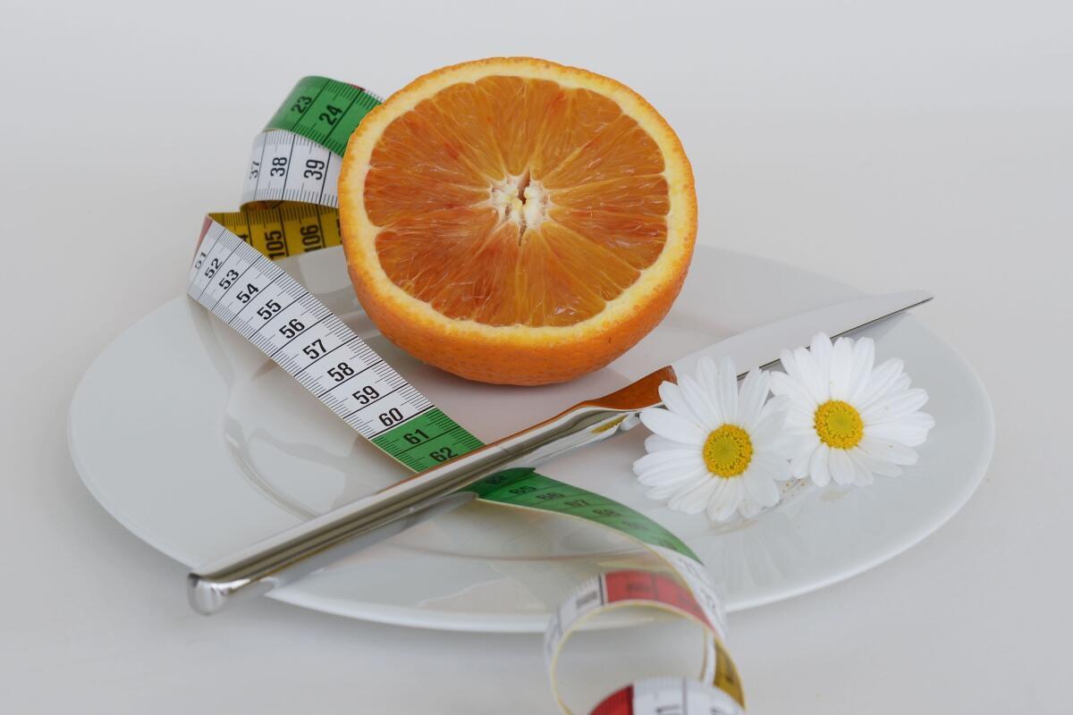 Строгая диета поможет сбросить вес, но удержать его будет очень сложно