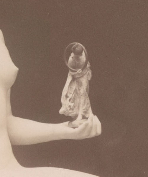 """Жан-Леон Жером, Танагра, фрагмент """"Фигурка  в руке"""""""