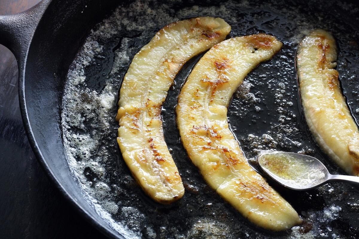Жареные бананы— вкусно и сладко