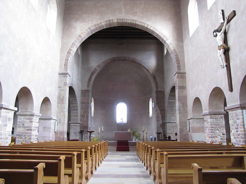 Интерьер церкви Святого Трофима на острове Эшо