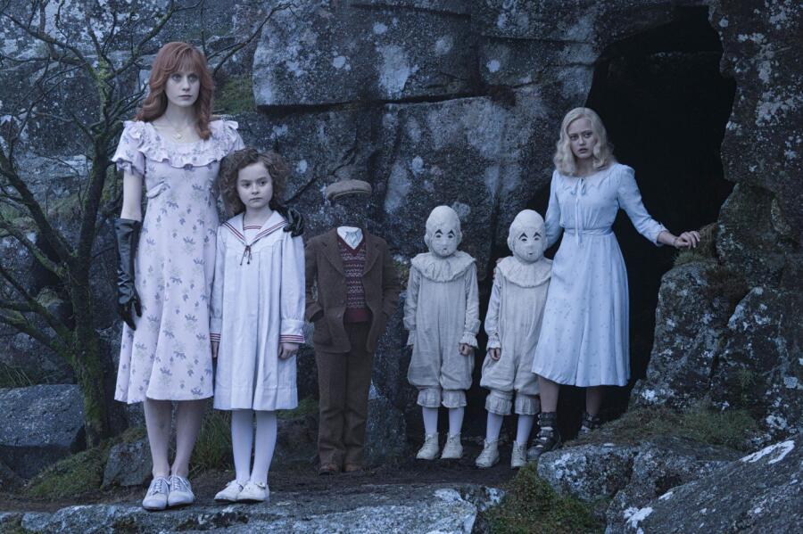 Кадр из к/ф «Дом странных детей мисс Перегрин»