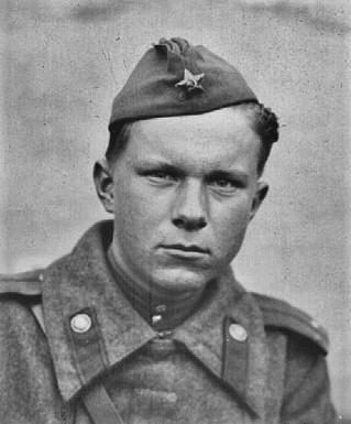 Лейтенант В. Быков на фронте, Румыния, 1944