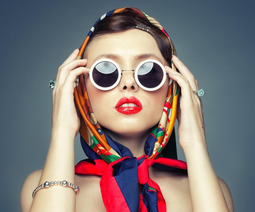 Можно ли ликвидировать пробел в образовании  и одеваться модно?