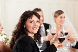 Свадебный гость должен ответственно подойти к своей роли на свадьбе!