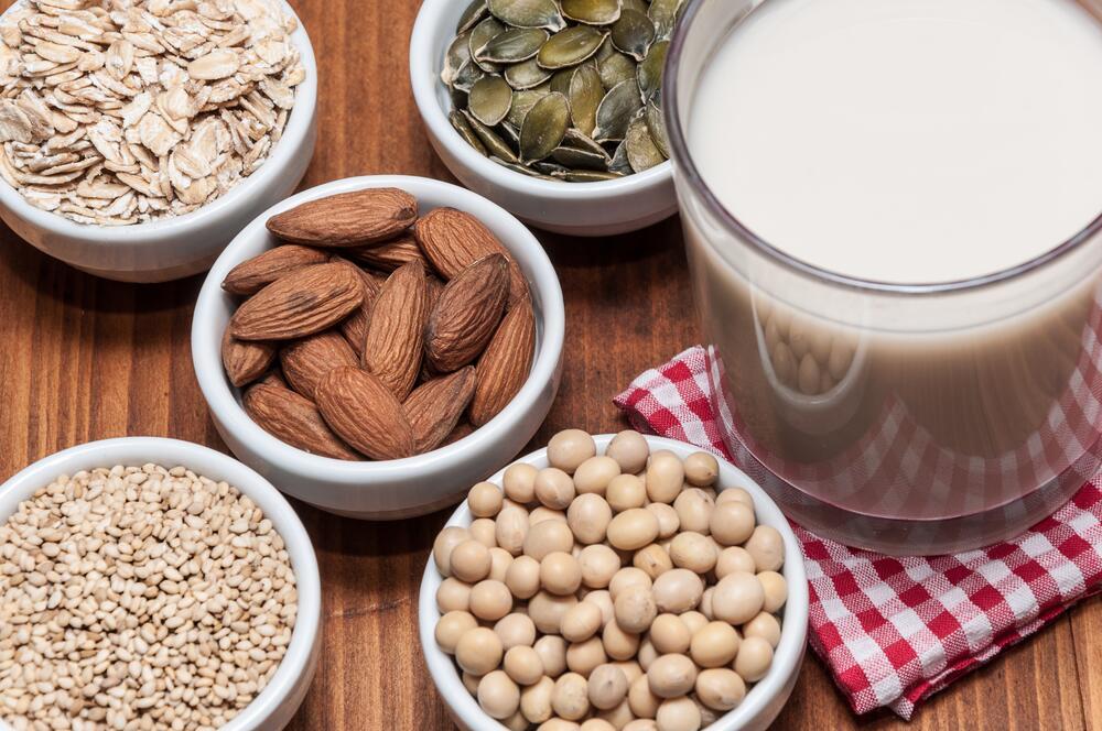 Каким бывает растительное молоко?