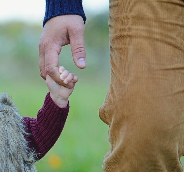 Как поведение отца влияет на будущее дочери?