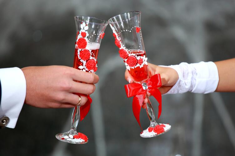 Всё о свадебных бокалах