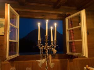 Комната с видом на горы. Куда бежать от одиночества? Часть 2