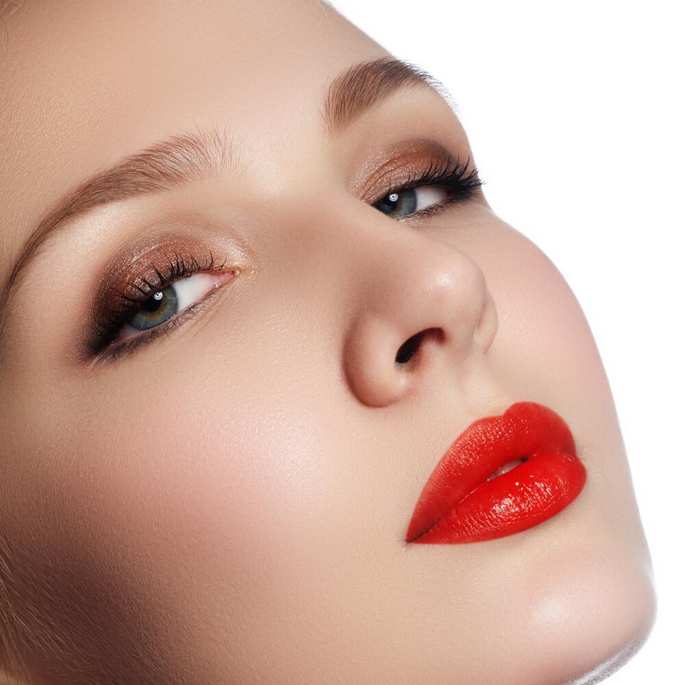 А вы умеете наносить макияж правильно?