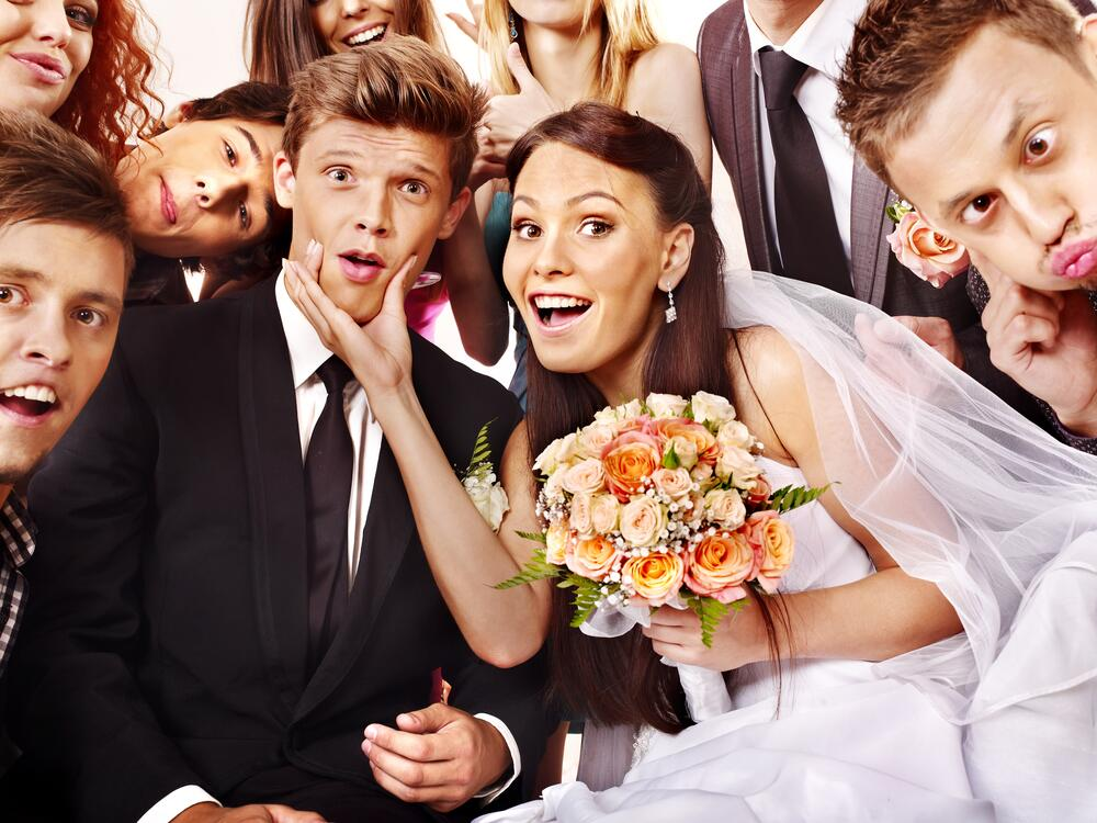видео невест и гостей на свадьбе ломающие каблуки