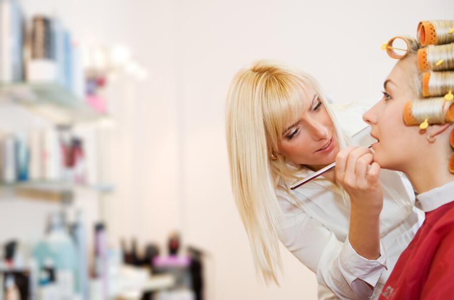 Как открыть свой салон красоты?