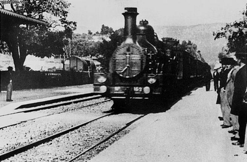 Кадр из к/ф «Прибытие поезда»
