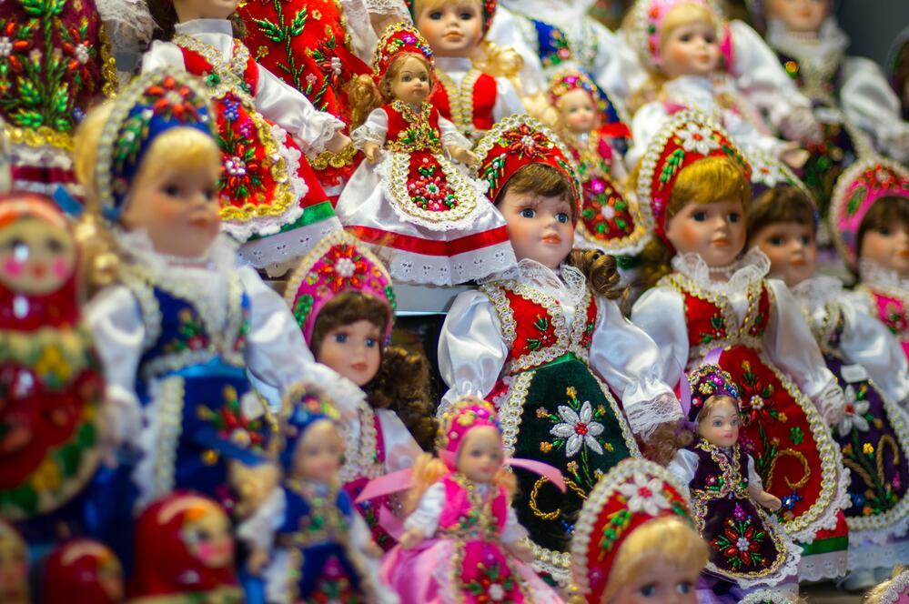 Венгерские традиционные куклы, раньше примерно так одевались невесты