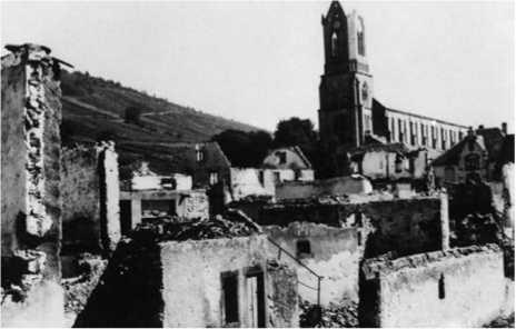 Деревня Вир-о-Ваяь близ Гюнсбаха, родной деревни Шарля Митчи, разрушенная немецкой бомбардировкой 18 июня 1940г.