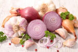 Помогут ли лук и чеснок в профилактике осложнений гриппа?