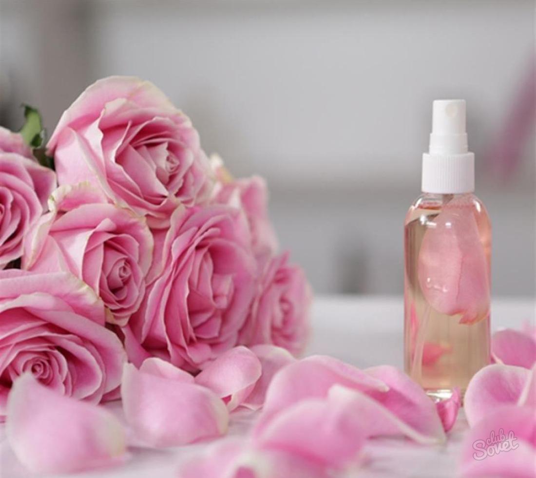 Розовая вода. Как ее используют?