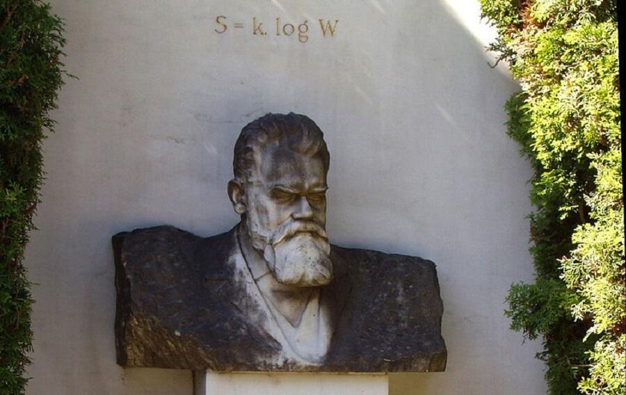 Надгробье на могиле Людвига Больцмана, фрагмент