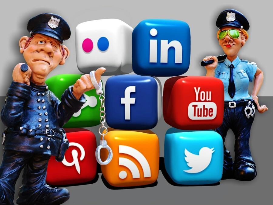 Кто рассказывает всю правду о вас в Интернете?