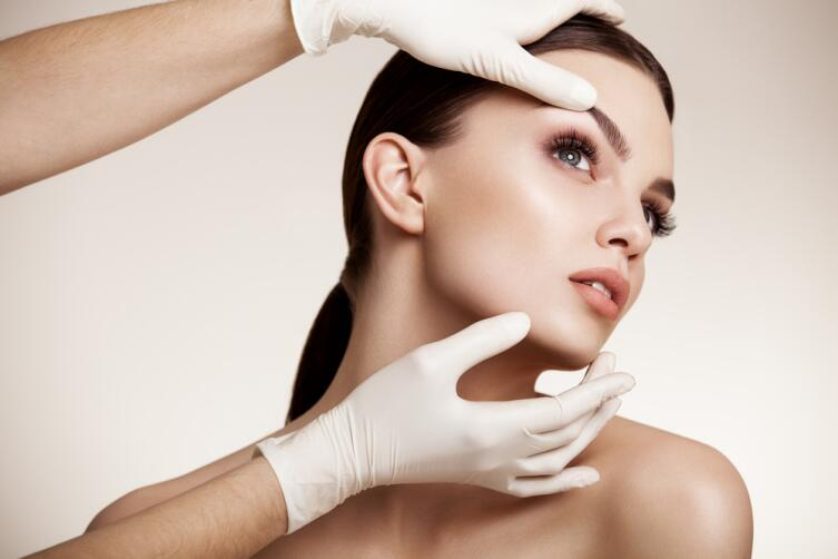 Как действует нитевой лифтинг на омоложение кожи лица и шеи?