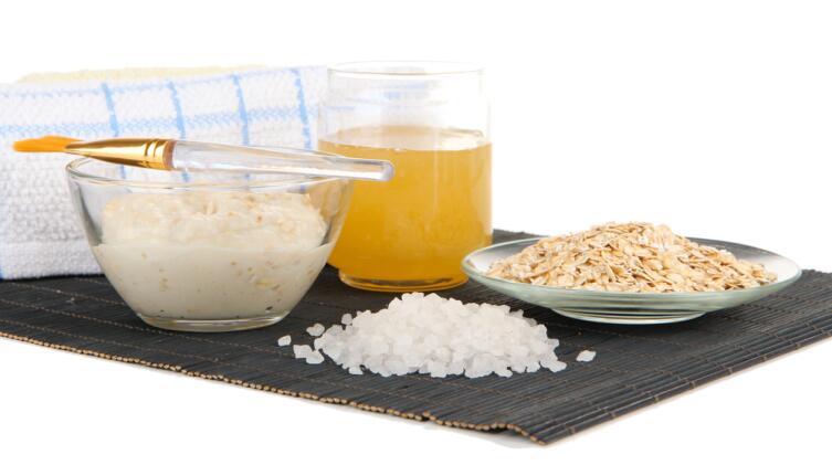 Ингредиенты для домашней маски с овсом и медом