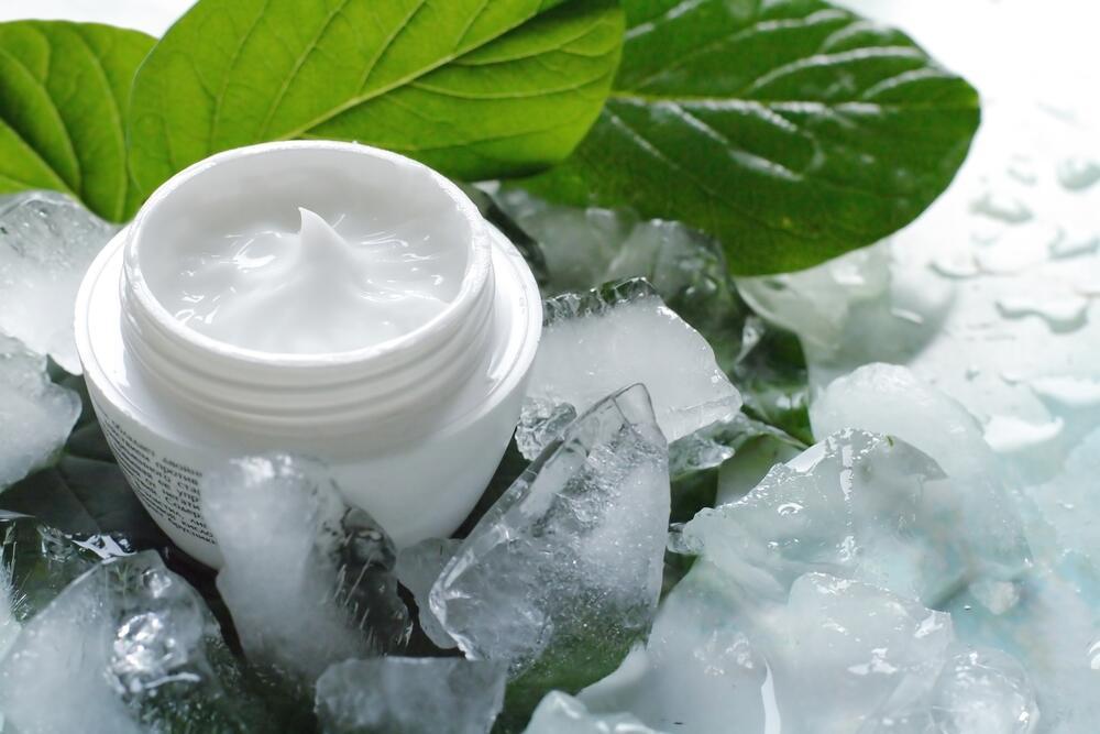 Как приготовить косметический лед?