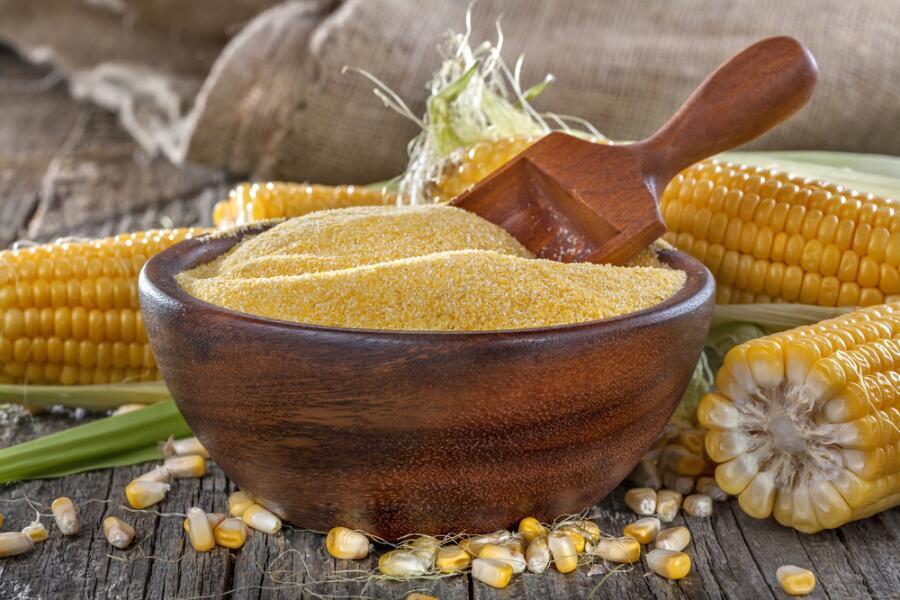 Царица полей – кукуруза. Что можно приготовить? Конечно же, мамалыгу!