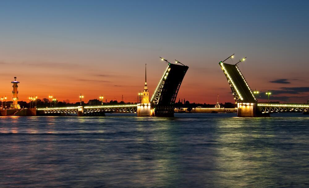 Когда лучше приезжать в Санкт-Петербург и надо ли бояться питерской погоды?